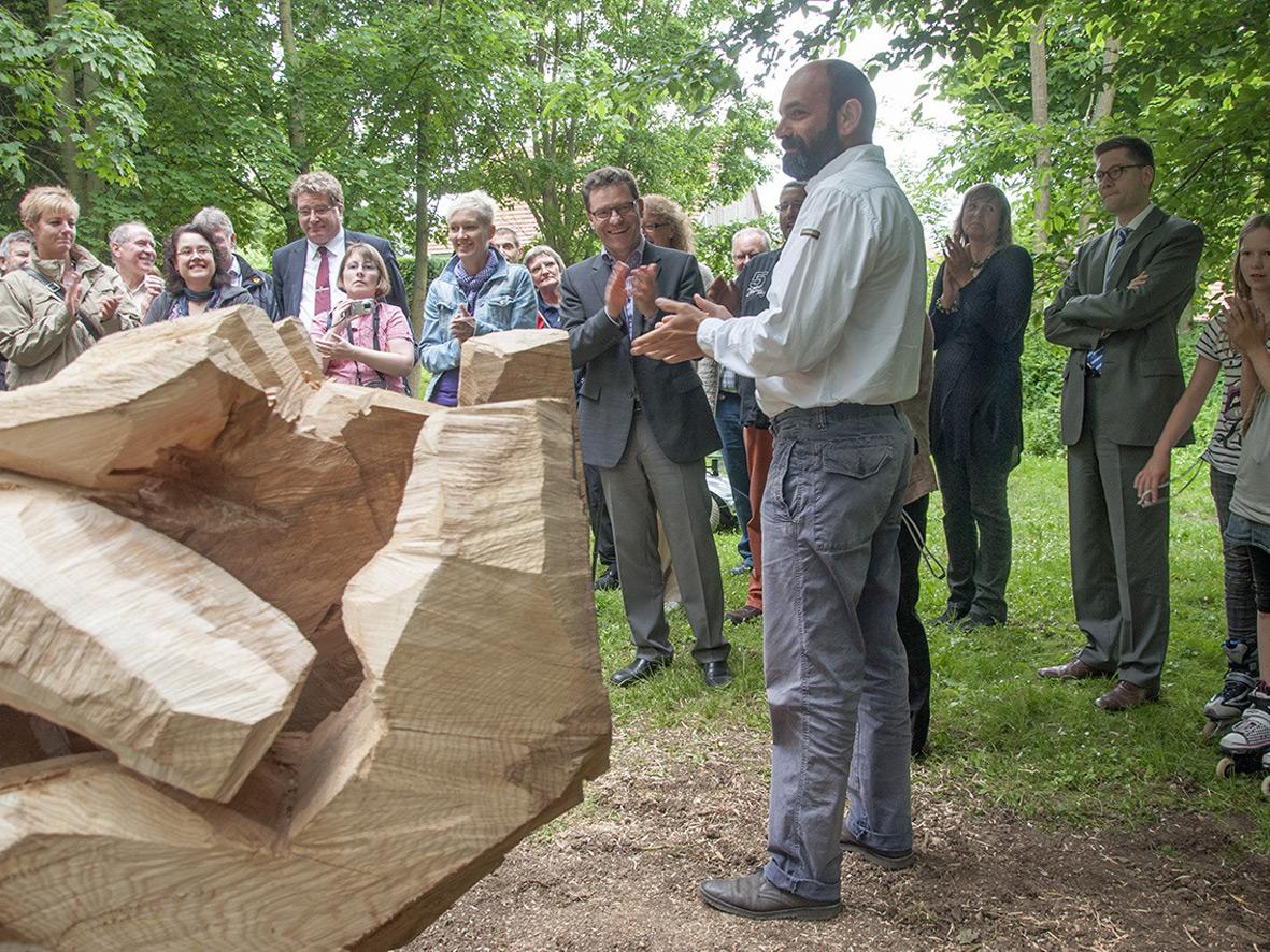 Sieben außergewöhnliche Skulpturen bleiben im Behringer Schlosspark