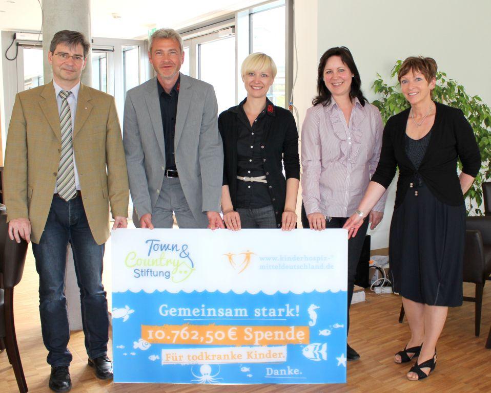 Town & Country Stiftung übergibt Spende an Kinderhospitz Tambach-Dietharz