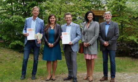 """Die PflanzenWelten-Hochbeete – Auszeichnung als Projekt der UN-Dekade """"Biologische Vielfalt"""""""